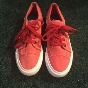 Red shoes size 7-7.5